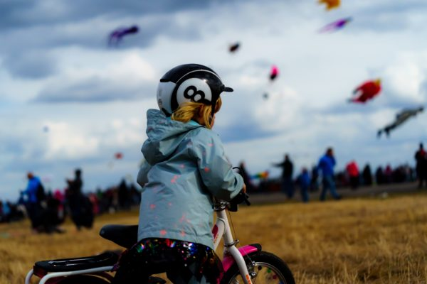Kind auf Tempelhofer Feld